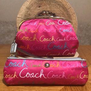 COACH Large Kiss Lock Wristlet Set